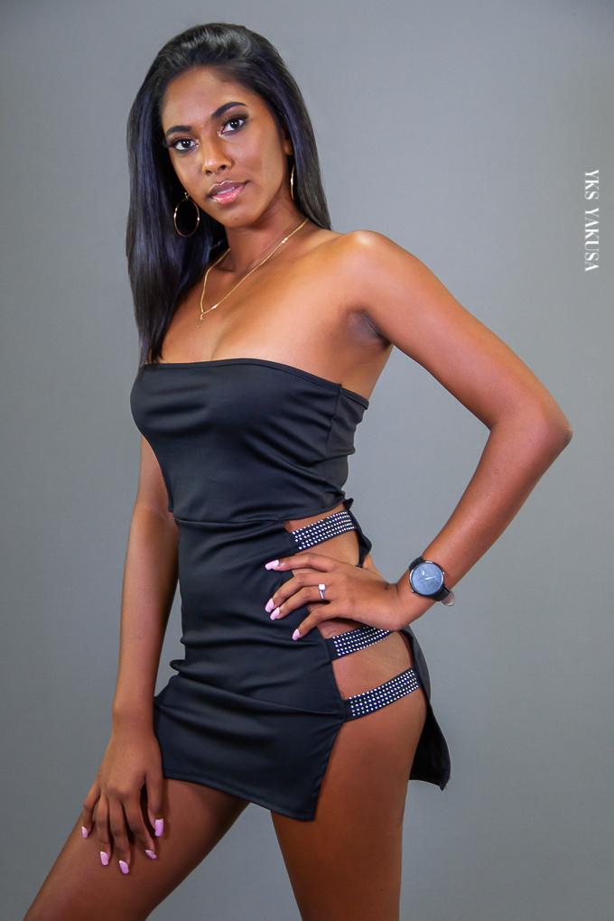 Tatiana Baya : un modèle photo maillot qui vise la lune !