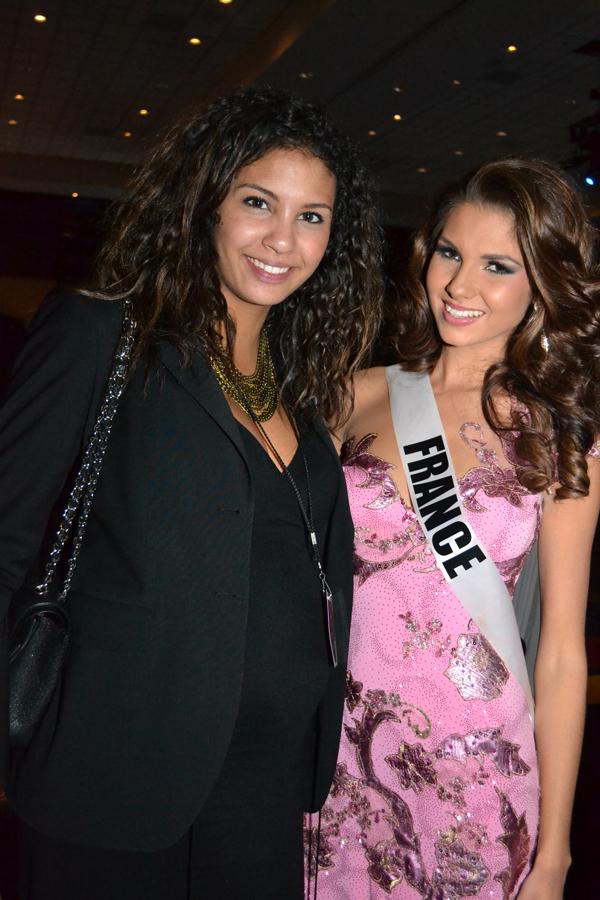 Marie Payet avec Chloé Mortaud, Miss France 2009, qui représentait la Société Miss France à Las Vegas (elle habite à Las Vegas avec son compagnon pilote automobile, et elle est enceinte!)