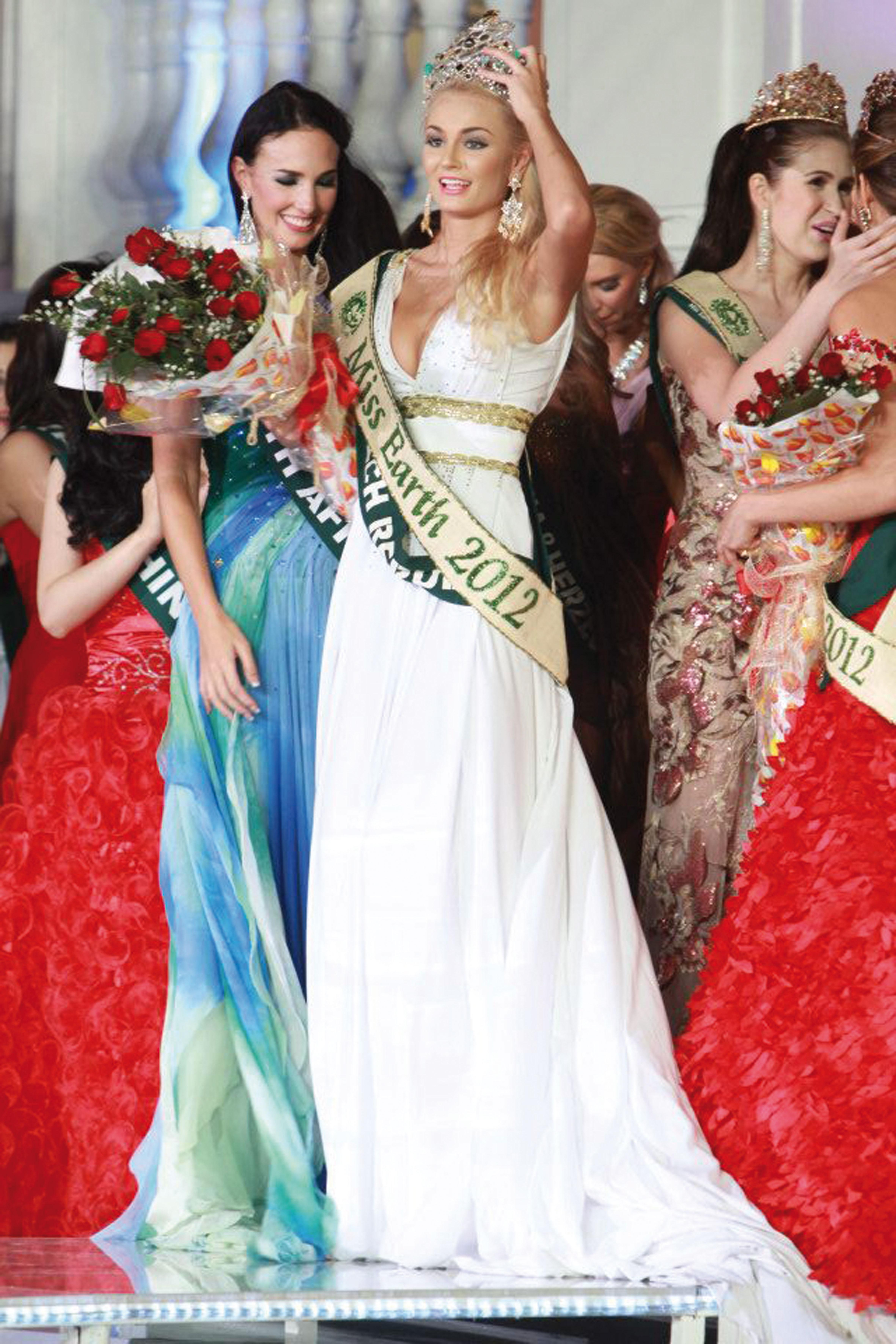 Miss Earth 2012, La Tchèque Tereza Fajksova élue