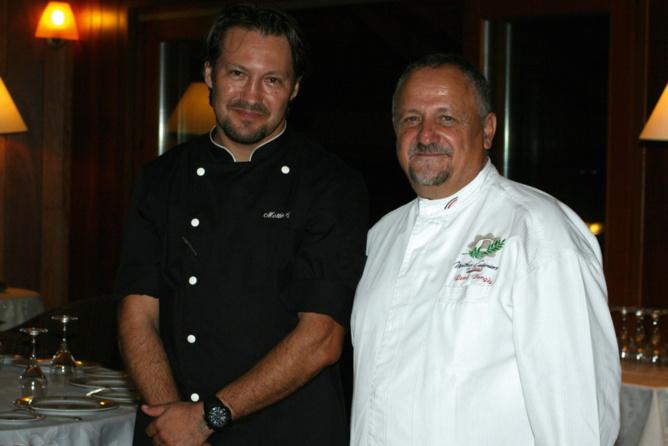 Sébastien Mottin, chef de cuisine du Saint-Alexis,  et René Bargès, Maître Cuisinier de France