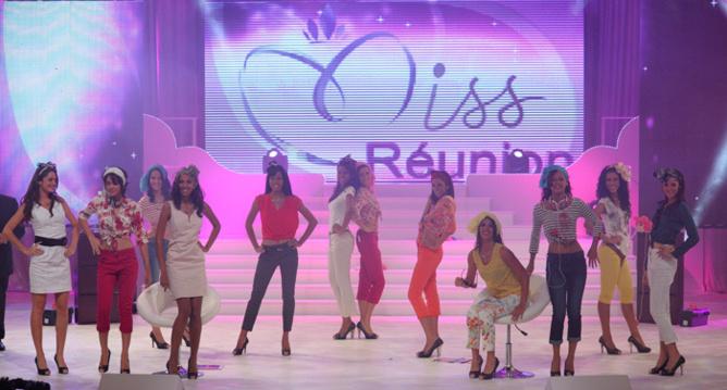 Miss Réunion 2013, seules face au public!