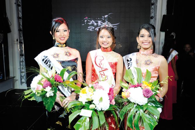 Miss Azian 2013 et ses dauphines  Ophélie Woon-Shoo-Tong, 1ère dauphine  et Kârolyi Claverie, 2ème dauphine