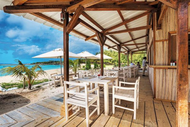 Le restaurant pieds dans l'eau du Village du Pêcheur vient d'ouvrir ses portes