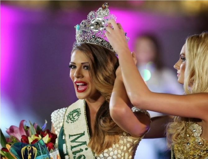 Alyz Henrich couronnée par Miss Earth 2012