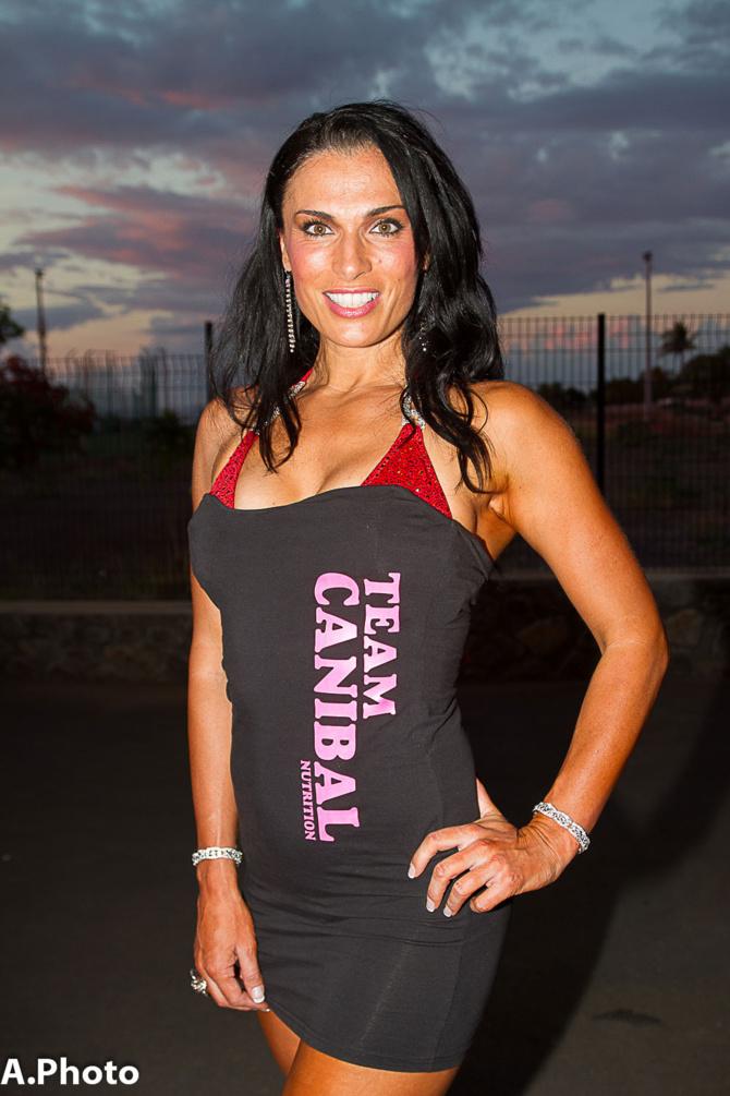 Nathalie Mur, hôtesse de l'air,  et professionnelle IFBB