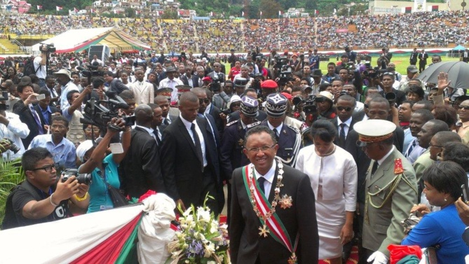 Une foule importante a assisté à l'investiture du président…