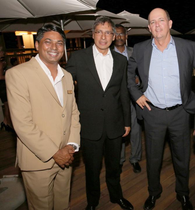 Ravin Unthiah, General Manager de Zilwa Attitude,  Hon. Xavier Luc Duval, et Jean-Michel Pitot