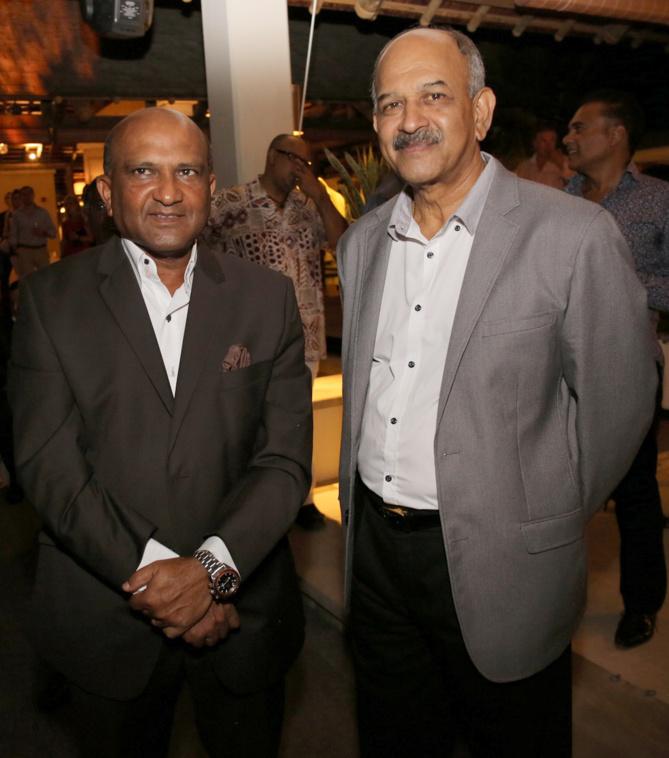 Dass Thomas et Hon. Devanand Virahsawmy, Ministre  de l'Environnement  et du Développement Durable