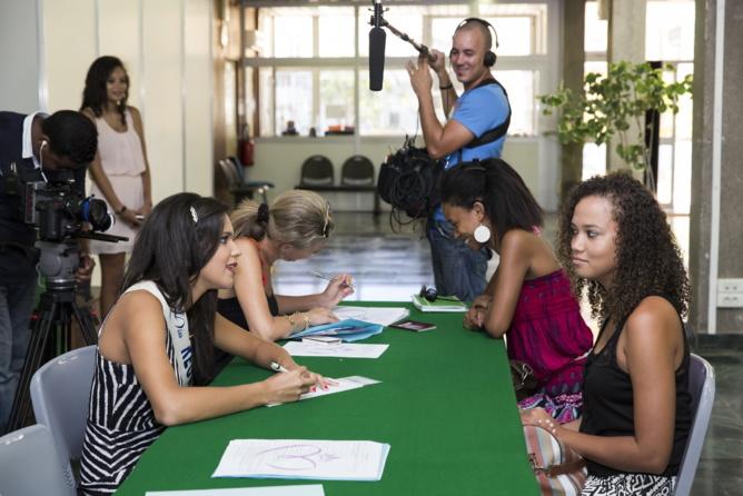 Encore plus de photos...Casting Miss Réunion Saint-Denis