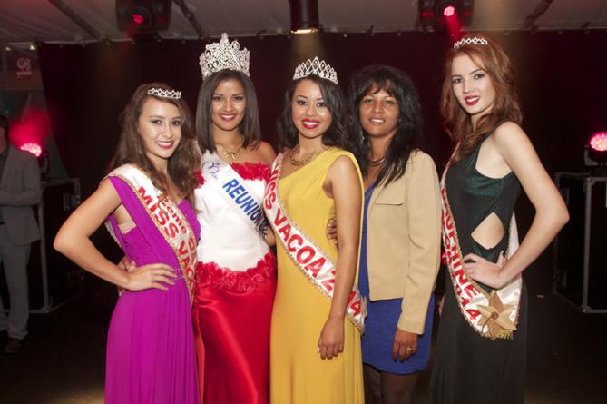 Ingreed Mercredi et les Miss Vacoa entourées de Sophie Payet, 1ère adjointe au maire de Saint-Philippe