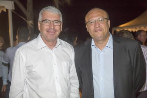 James Caratini, directeur de Sciences Réunion, et Frédéric Alory, directeur régional d'Air France