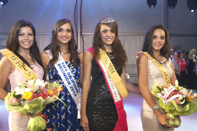 Sandrine Vitry, 1ère dauphine, Anne-Gaëlle Laterrière 1ère dauphine Miss Réunion, Marine Bénard, Miss Saint-Joseph 2014, et Floriane Boyer, 2ème dauphine