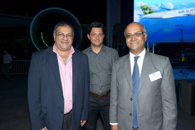 Arzou Mahamadaly, Directeur Général de la Sogecore, Sahim Cassam-Chenaï, administrateur à la Sogecore, et Marie-Joseph Malé