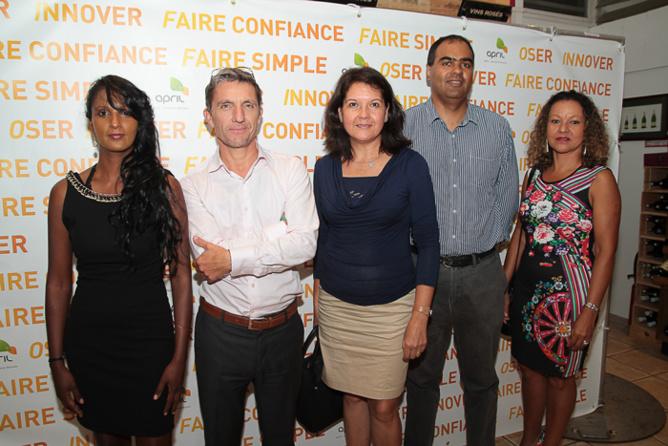 Geneviève Virapin, responsable des ressources humaines d'April Partenaires Réunion, Michel Petiot, Franceline Mussard, Jean-Luc Galmar, et Geneviève Lebihan, d'April partenaires Réunion