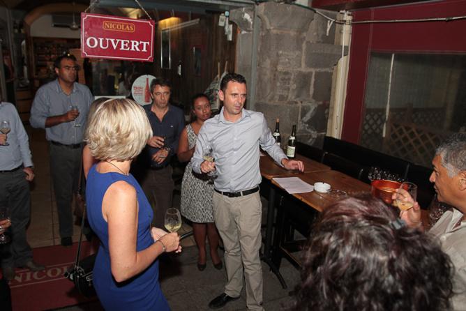 Atelier œnologique sur le thème du Bourgogne animé par les sommeliers de la Cave à vins Nicolas