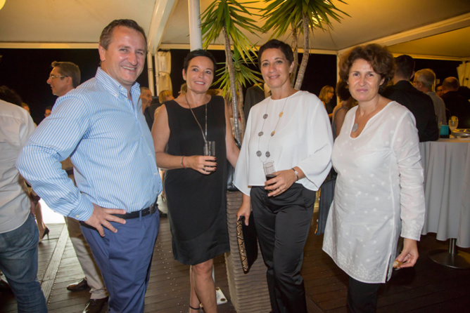 Mme Testoni entourée de Mr et Mme Laguardia, et Anne Magnan