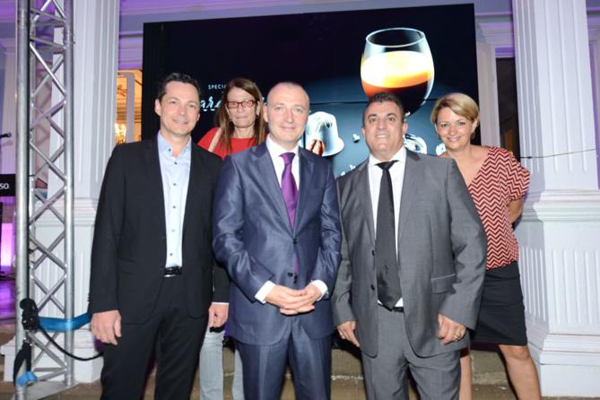 Pierre Debayle et Jean-Yves Moron entourés de George-Guillaume Louapre Pottier du Mémento et de son épouse Corine