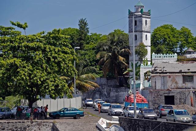Zone Australe sur Antenne Réunion <br>Comores: Sciences Réunion, Outil Pédagogique