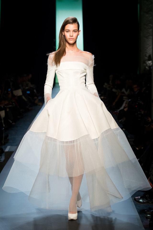 Légende : Jean-Paul Gaultier Haute Couture collection printemps été 2015