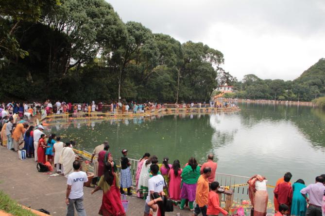 À partir de 1972, Grand-Bassin a pris une nouvelle dimension lorsque de l'eau du Gange y a été versée. Il a alors été nommé Ganga Talao.