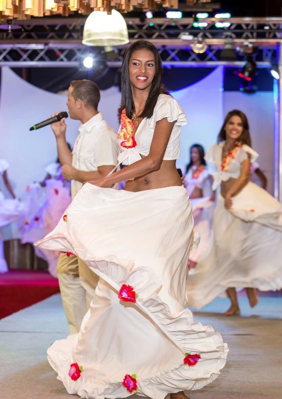 C'est Ornella Serveau (20 ans, 1,72 m) qui a été élue Miss Réunion Est et qui est donc sélectionnée pour Miss Réunion 2015 du mois de juillet