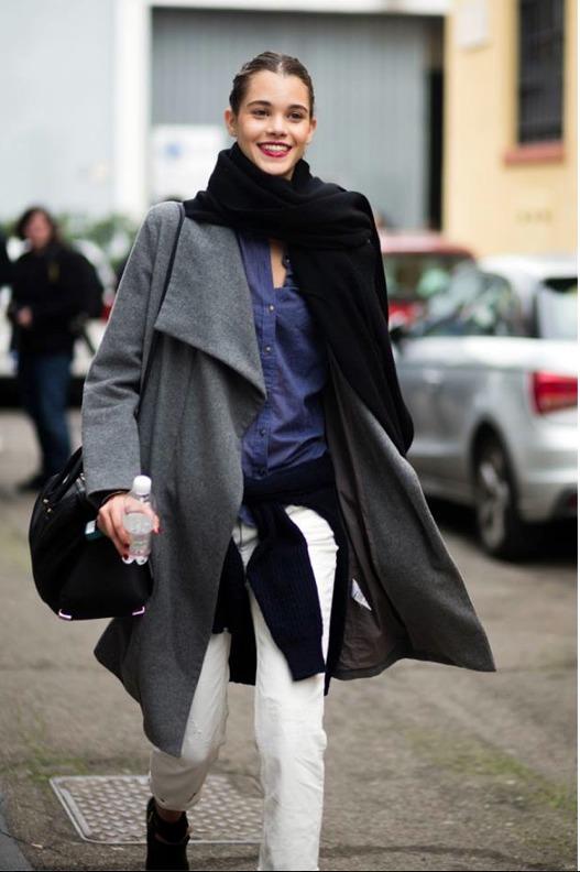 Pauline en Italie, à Milan entre deux défilés...Elle court mais garde toujours le sourire...