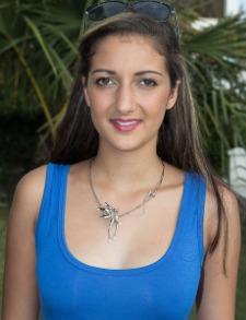 8.Julie Hoareau, 16 ans, 1,71 m