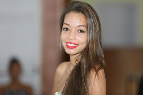N°7: Anne Sophie Robert - 17 ans, 1,60m