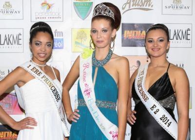 Valentine Payet, Reine de l'Entre-Deux 2014, et ses dauphines Lindsay Legros et Stella Alanoix