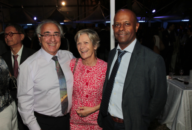 Henri Chane-Tune cadre retraité de la BR, André Anelli biologiste et son épouse, Daniel Ichouza directeur du secteur Ouest.