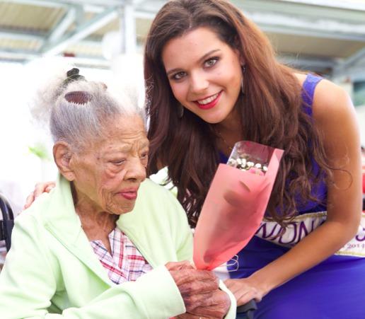 Solidarité Fête des Mères<br>Vanille apporte du bonheur aux personnes âgées