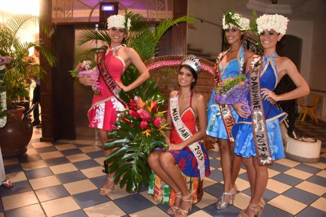 Miss Tahiti 2015 et ses dauphines