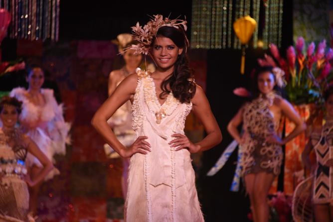 Vaimiti Teiefitu élue Miss Tahiti 2015