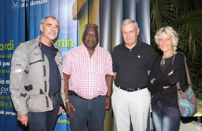 Claude Clergue, Christian Porthos, vice-président CCEE Guyane, Joël Chartier, délégué territorial de l'association AGIR ABCD, et son épouse Marie-Hélène