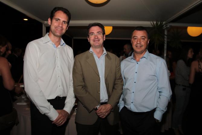 Yannick Nobilet, directeur commercial Volkswagen, Bertrand Sireyjol, et Eugène Diaz, directeur VO Cotrans Automobiles