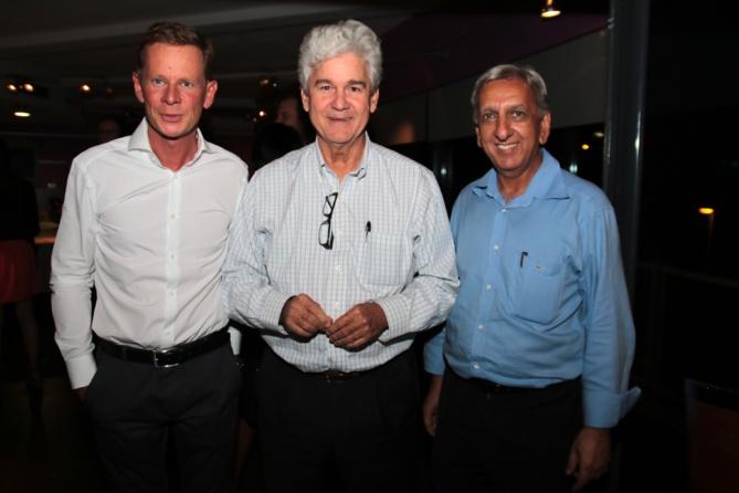 Marc Tezenas, directeur général Automobiles Réunion, Jacques de Virginy et Aziz Patel