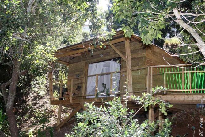 «Cabanes insolites» à la Rivière Saint-Louis