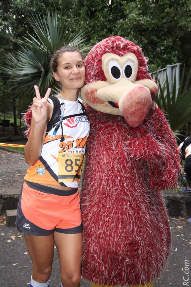 Estelle Carret, 3ème des 25 km. Elle termine ses courses toujours avec le sourire…