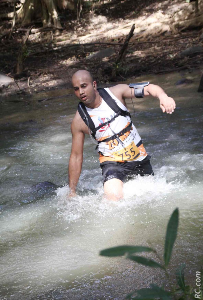 La traversée de la rivière à quelques 500 mètres de l'arrivée
