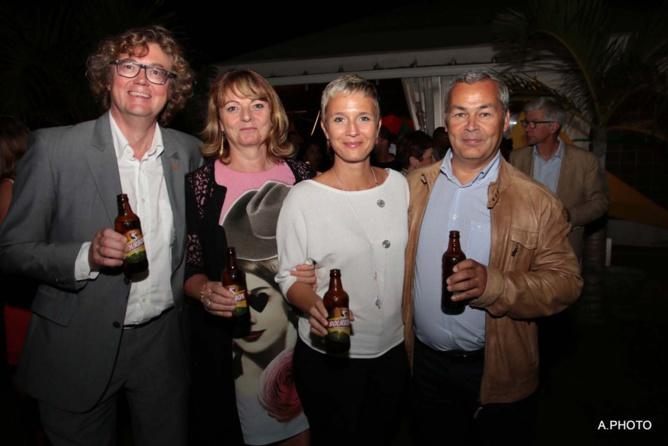 Eric Bouquillon, directeur Orange Réunion Mayotte, et son épouse, Frédéric Chausson, directeur du PMU, et son épouse