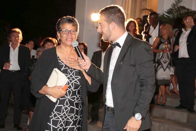 Claudine Lième, la présidente de l'association et l'animateur de la soirée, le beau Greg de NRJ