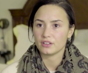 Sans maquillage, au naturel, Demi a donné une interview