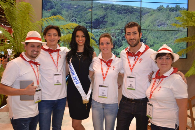 Miss Réunion a accueilli beaucoup de visiteurs sur le stand de La Réunion