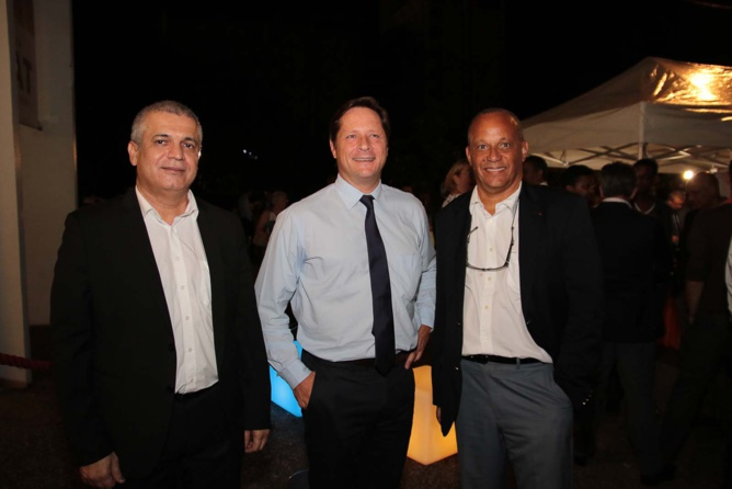 Michel Dijoux, PDG de Solar Réunion Industries, Stéphane Hayot, directeur de la branche grande distribution du Groupe Hayot et Pierre-Marie Joseph, Président d'honneur de l'AMPI Martinique