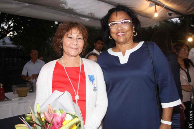 Ginette Azélie et Béatrice Sigismeau, adjointe au maire de Saint-Pierre.