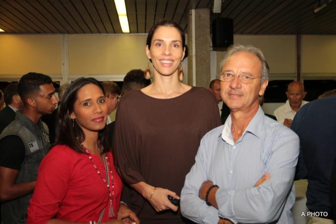 Magali Caillé entourée de Philippe Maillot et sa compagne