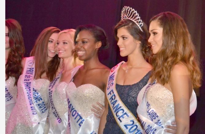 Iris Mittenaere, Miss France, avec les candidates ayant eu des prix