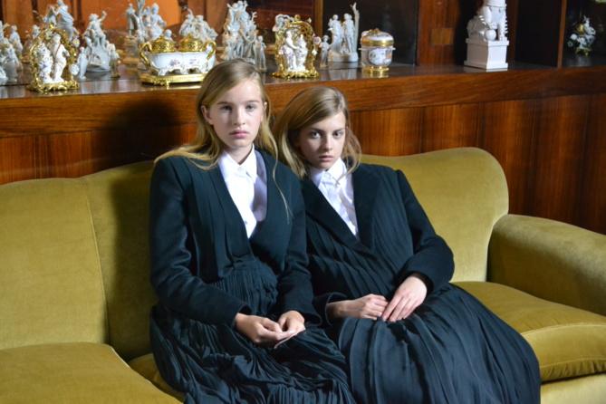 Léia et Mathilde en séquence pose. Un premier shooting pro pour le magazine Vogue, le rêve!