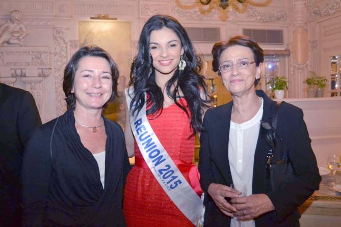 Sophie Desmot, secrétaire générale de l'Ordre des Experts Comptables de La Réunion, Azuima et Geneviève Graulich, Directeur Commercial Air Austral