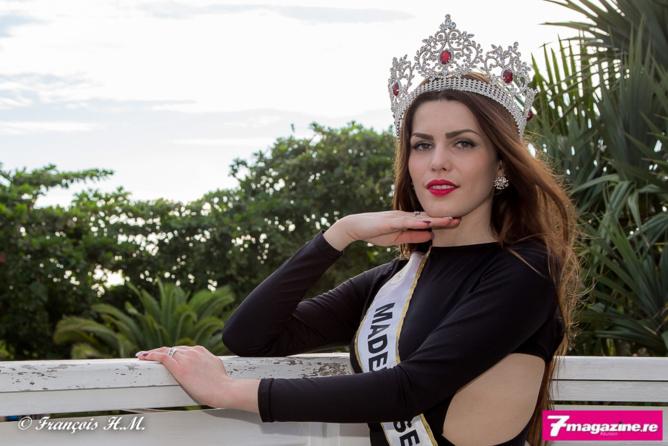 Mademoiselle France va dans différentes régions de métropole, et outre-mer uniquement à La Réunion